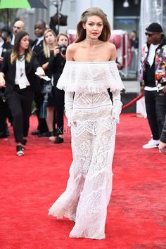 Gigi Hadid White Sheer Lace Off-the-shoulder Column Evening Prom Dress 2016 Music