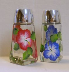 Hibiscus Salt and Pepper Shaker Set