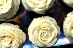 Pumpkin cupcakes with maple cream cheese frosting - perfect for Thanksgiving!