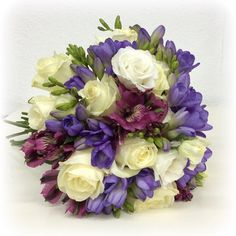 #wedding #boda #bodas #novias #flores #flowers #flowershop #weddingbouquet #weddingplanner #roses #rosas #fresias #lisianthus #floristería #floristeria #floristeriamadrid #floristeriaonline #floristeriakalatea #kalatea
