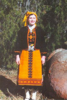 Елховско Bulgarian dress from Elhovo Greek Costumes, Folk Costume, Bulgarian, Life Is Beautiful, Folk Art, Snow White, Culture, Traditional, Embroidery