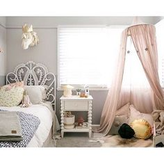 Número 74 canopy in powder pink  Styled by Little Dwellings