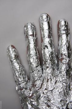 argento ---➽ argentum➽ασήμι➽silver➽plata➽Silber➽銀➽فضة➽серебро Look Body, Bronze, Red Queen, Silver Lining, All That Glitters, Wizard Of Oz, Silver Color, Silver Style, Heavy Metal