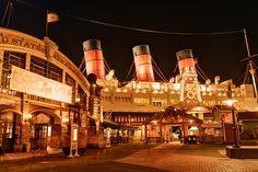東京ディズニーリゾート,東京ディズニーシー,アメリカンウォーターフロント Tokyo Disney Sea, Tokyo Disney Resort, Tokyo Disneyland, Disney Resorts, Disney Parks, Disney Pixar, Disney Aesthetic, Park Photos, Photo Art