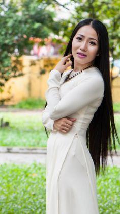 Best 12 All sizes Vietnamese Dress, Ao Dai, White Girls, Purple Dress, Asian Beauty, Korean Girl, Girl Fashion, High Neck Dress, Model
