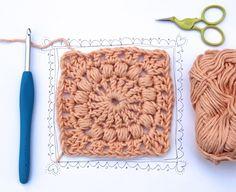 creJJtion: Crochet Square With Puff Stitch ~ Tutorial Crochet Diy, Crochet Quilt, Manta Crochet, Crochet Blocks, Crochet Squares, Love Crochet, Crochet Motif, Crochet Crafts, Crochet Stitches