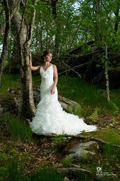 Bride photo during bridal portrait session. Photo credit http://www.pixelsonpaper.biz
