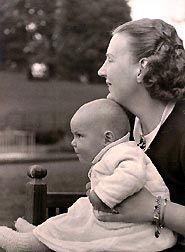 Prinses Irene met Mamma Juliana (NL)