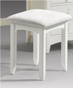 Bedroom stools makes them look better in design - goodworksfurniture Bedroom Stools, Bedroom Chest Of Drawers, Short Stools, White Dressing Tables, Padded Bench, White Stool, Dressing Table With Stool, Vanity Stool, Bedroom Themes