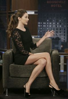 Shailene Woodley, her legs go on for days. her hair is perfect here.