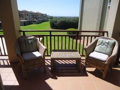Goose Valley Golf Estate - This stylish, modern unit is situated in The Goose Valley Golf Estate which is on the Garden Route close to Plettenberg Bay, Keurboomstrand and Keurbooms River.This unit, one of a few, has sea and lagoon .