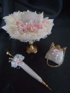 Dollhouse Accessories, Doll Accessories, Victorian Dollhouse Furniture, Umbrella Wedding, Doll Dress Patterns, Pamela, Fancy Hats, Doll Tutorial, Hat Shop