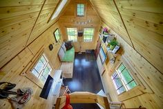 Mobile Tiny Tack House Is Entirely Built By Hand! And Looks Gorgeous�