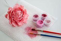 How to make a gum paste peony (part 2) • CakeJournal.com