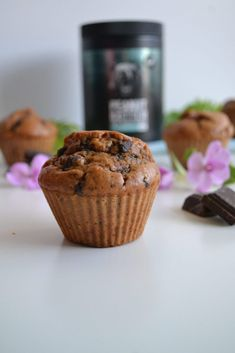 Muffins au peanut butter et pépites de chocolat - healthyfood_creation Muffins Sains, Healthy Muffins, Peanut Butter, Healthy Recipes, Breakfast, Dessert Healthy, Food, Kitchens, Morning Breakfast