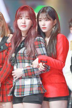 Save me, Please ↬ Wenrene - Seulgi, Irene Red Velvet, Wendy Red Velvet, South Korean Girls, Korean Girl Groups, Red Velet, Pretty Asian, Kim Yerim, Kpop Girls