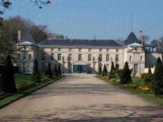 Chateau De Malmaison, La Malmaison, Home Curtains, Castle House, French Empire, French Revolution, Architecture, Places Ive Been, Beautiful Homes