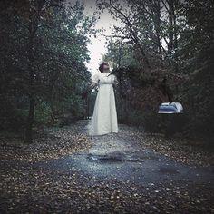 """""""Yo no sé repetir como entré en ella Pues tan dormida me hallaba en el punto que abandoné la senda verdadera"""" #photo #photography #manipulation #witchcraft #elevation #photoshop #darkness #art #ph #shadows #smoke"""