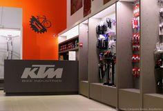 Loja KTM/Bicicletas Coelho, Porto em colaboração com Fernando Cerqueira Barros, arquitecto Novembro 2014