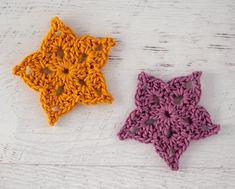 Adorable and quick crochet crochet star pattern is fun to make! #crochetstar #starcrochetpattern #crochetstars #crochetstarpattern #crochet365knittoo Crochet Dolls Free Patterns, Crochet Stitches, Crochet Crafts, Crochet Projects, Crochet Tutorials, Yarn Crafts, Crochet Ideas, Kids Crafts, Crochet Santa Hat