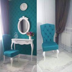 Вот такими фотографиями поделился наш клиент. Консоль, каркас стула, созданные нашими мастерами, отреставрированное зеркало прекрасно вписались в интерьер. По - моему выглядит очень достойно и стильно.