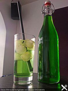 Erfrischender Pfefferminzsirup, ein raffiniertes Rezept aus der Kategorie Alkoholfrei. Bewertungen: 99. Durchschnitt: Ø 4,3.