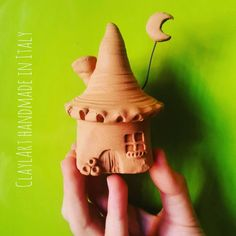Winter is coming…Soon Available on my etsy shop xmas gift handmade in Italy Worldwide shipping #claylart #claudiaaltavilla #handmadeinitaly #miniaturepottery #miniature #tiny #tinypottery #handcarved #wheeltrownceramics #wheeltrown #gnomehouse...