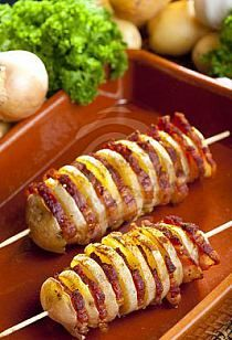 Potato and bacon shish kabobs . - Potato and bacon shish kabobs I Love Food, Good Food, Yummy Food, Potato Dishes, Potato Recipes, Sausage Recipes, Batata Potato, Great Recipes, Favorite Recipes