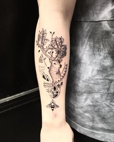 Blackwork tattoos are the way to go, and the Kings of blackwork tattoos work at BleuNoir tattoo Art Shop. These tattoos are pure gold, enjoy! Blackwork, Bleu Noir Tattoo, Girl Tattoos, Tatoos, Tatoo Styles, Autumn Tattoo, Black Tattoo Art, Feather Tattoos, Have You Seen