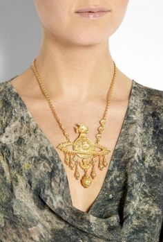 Vivienne Westwood necklace, stunning statement