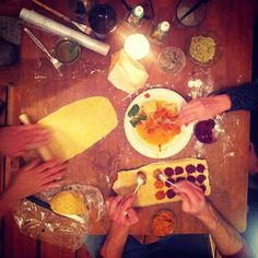 Wild & Root's Christmas dinner on Sunday. We created some ravioli with beet root, carrots, leek, goat cheese, spinach, mushrooms, beef, pumpkin,...it was a tight race so that there was more than one winner! #tryitout #christmasdinner #veggierace #lovelygettogether