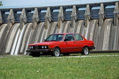 BMW 320i (E21)