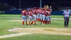 HEROICA CIUDAD DE CHAMPOTON, CAMPECHE.- 28 de Octubre del 2016.- Los Rojos del Aguila de Champoton derrotaron a los Piratas de Escarcega con...