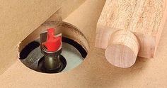 um gabarito para encaixe redondo disponibilizado pelo WJ:       http://www.woodworkersjournal.com/jig-made-round-tenons/