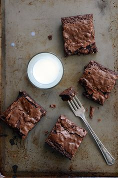 The Best Homemade Chewy Brownies #recipe #dessert #chocolate