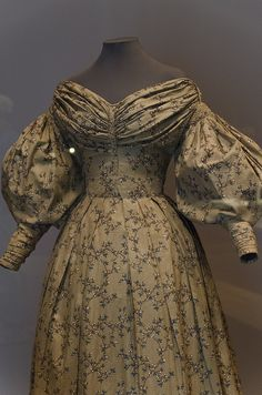 c1832 Woman's Dress, Philadelphia Museum of Art