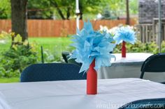 thing 1 and thing 2 decorations for a classroom | Dr Seuss Thing 1 and Thing 2 party- table centerpieces. #schuplinparty