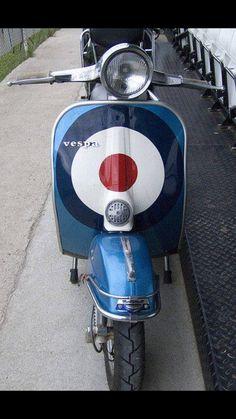 On target! #vespa #vespahartford #scooter #scootercentrale #fun #smile #spring