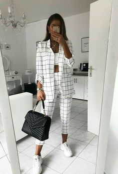 Suit Fashion, Look Fashion, Fashion Outfits, Fashion Tips, Outfit Chic, Stylish Outfits, Outfit Work, Blazer Outfits, Pants Outfit