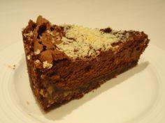 Aneta Goes Yummi: Čokoládovo-mandľový cheesecake (obzvlášť škaredý, ale šialene…