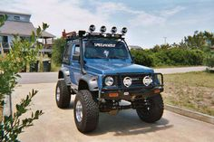 Suzuki samurai azul full modificado