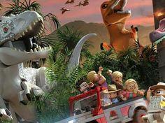 Lego Jurassic Park, Christmas Ornaments, Holiday Decor, Plants, Christmas Jewelry, Plant, Christmas Decorations, Christmas Decor, Planets