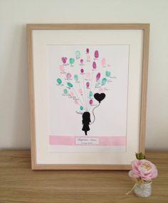 """Affiche, poster empreinte """"Petite fille et son lâchée de ballon""""personnalisable pour baptême, mariage, naissance"""