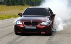 BMW M5-smokin...yehhhh