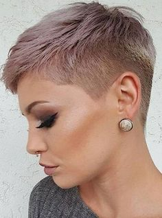 Cute Short Pixie Haircut Pixie haircuts always appear to be in style, and there are many cute pixie styles to look over. Here are the best 20 pics of cute pixie haircuts! Short Hair Cuts For Women, Short Hairstyles For Women, Short Hair Cuts Shaved, Pixie With Undercut Shaved Sides, Shaved Side Haircut, Shaved Pixie Cut, Short Shaved Hairstyles, Popular Hairstyles, Cute Pixie Haircuts