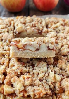 These Paleo Apple Pie Crumb Bars are a delicious fall treat! Caramelized apples are layered on top of a sweet shortbread crust and then topped with an irresistible streusel topping. Gluten free, dairy free, and vegan! Paleo Dessert, Healthy Baking, Healthy Desserts, Dessert Recipes, Eating Healthy, Healthy Foods, Paleo Vegan, Low Carb Paleo, Paleo Diet