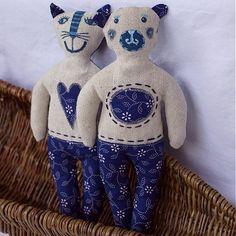 Macko a mačka z modrotlače by melia - SAShE.sk - Handmade Dekorácie