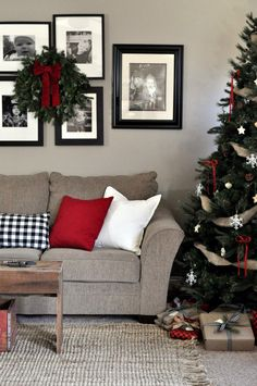 Farmhouse Chrismas Home Tour. Living Room Christmas Tree