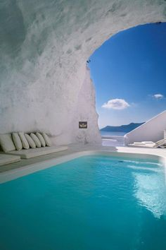 What I wouldn't give to spend an afternoon here. It's so beautiful and perfect for someone like me who loves to swim but has a sun allergy.