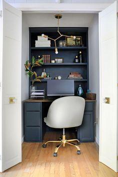 Closet Desk, Closet Office, Build A Closet, Office Nook, Home Office Space, Home Office Design, Small Home Offices, Office Designs, Office Wall Cabinets